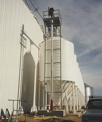 Skyway Grain Systems built this Argentina grain handling facility for the Closa family