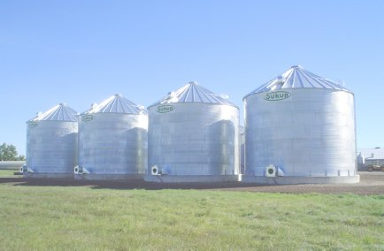 Sukup Manufacturing Produces Grain Handling Equipment and grain bins